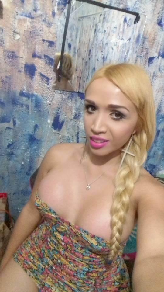 Karen Jaquez ts sin brassier de tetas grandes