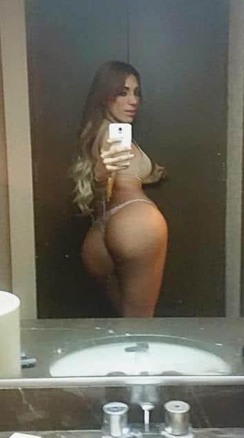 Pakira Mebarak shemale selfie