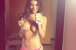 Carolina Ramirez freshxdollts travesti en tanga