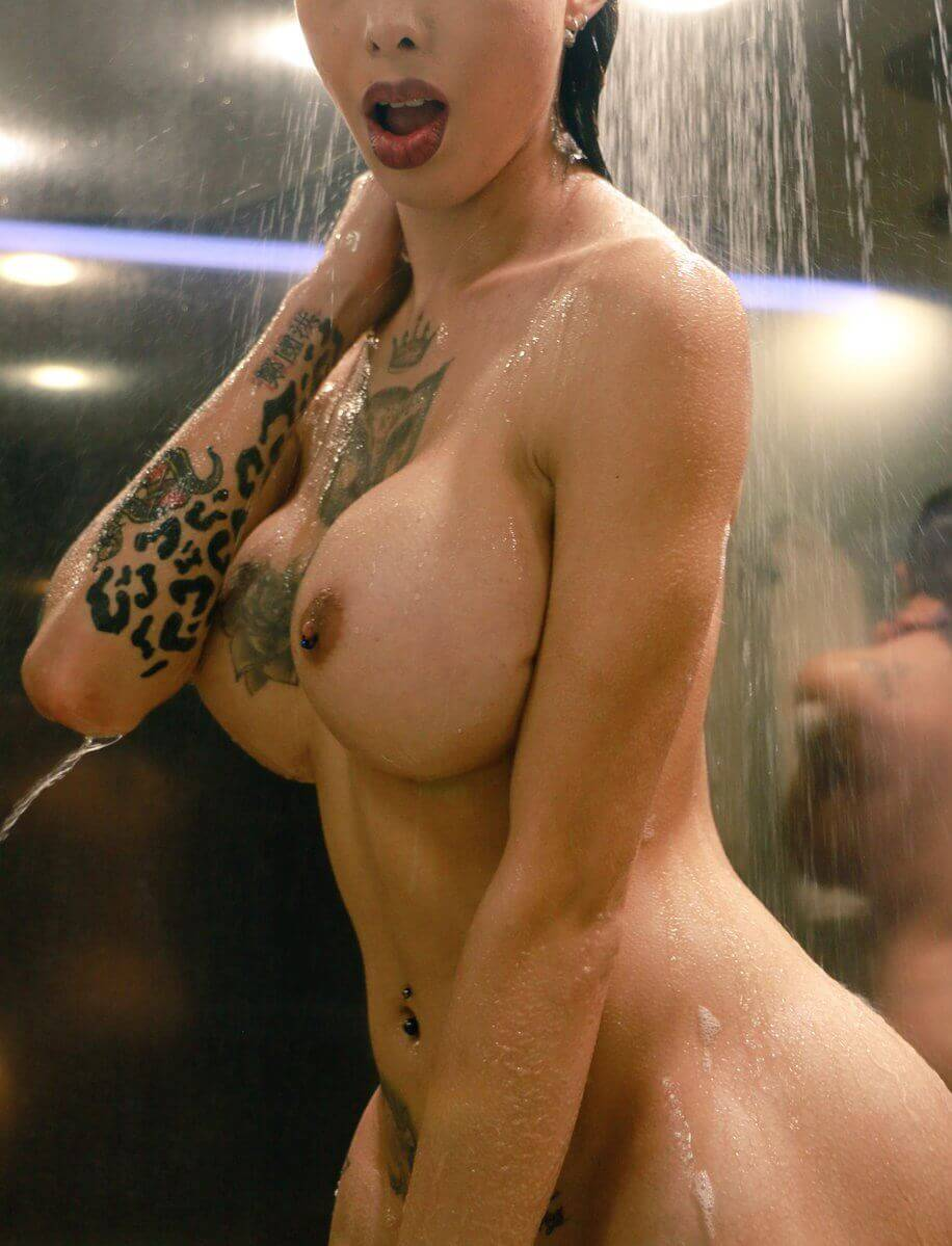 Katy Leon shemale shower