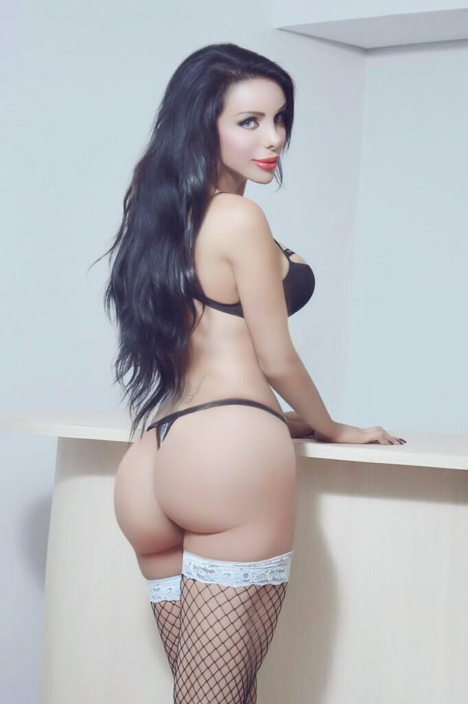 Bella Galilea travesti lenceria
