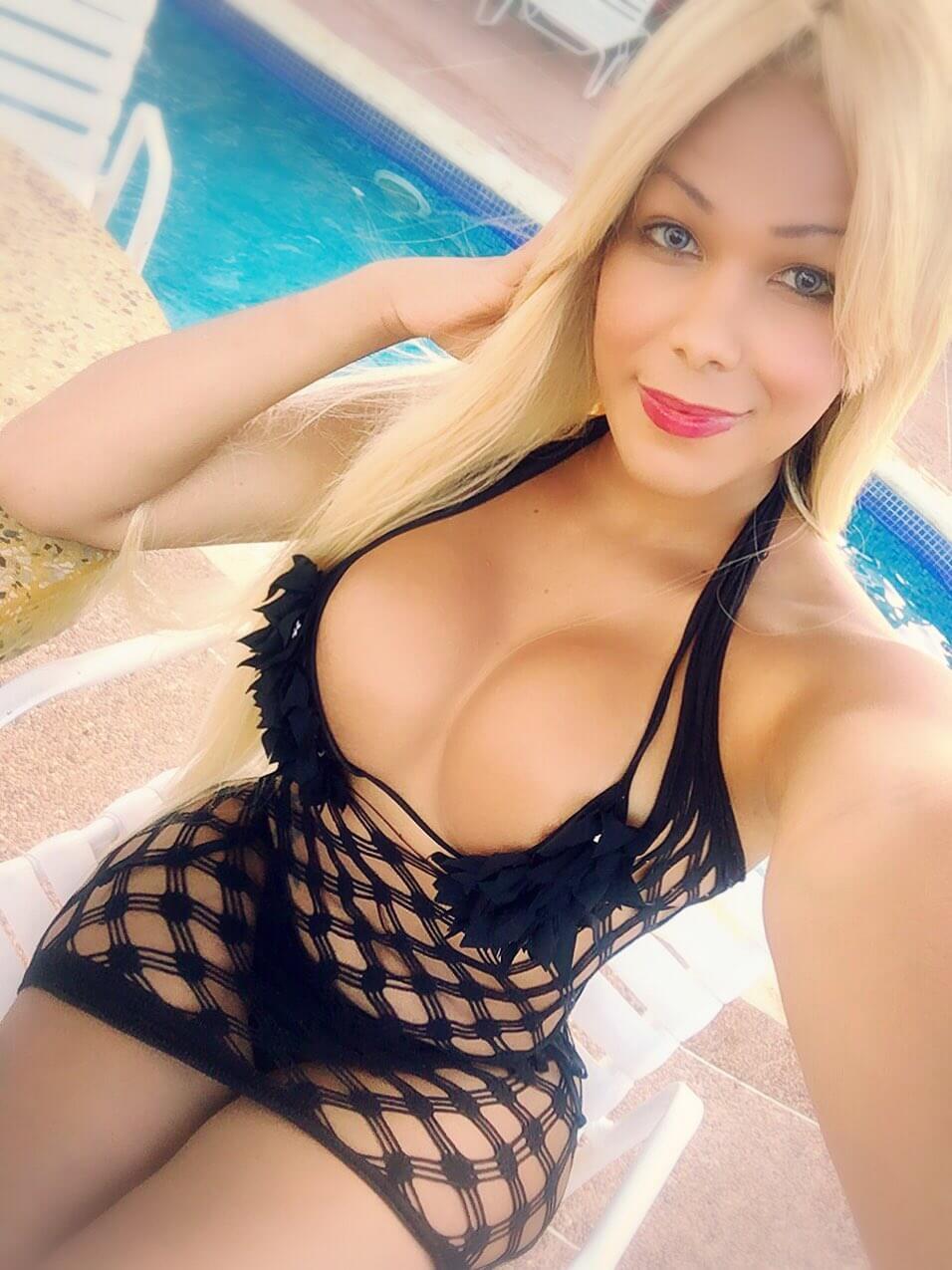 Oriana Isabel Lopez rubia travesti