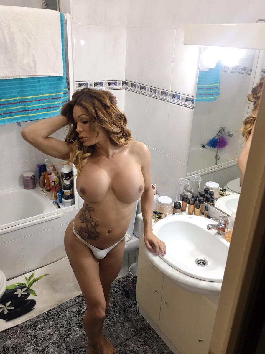 Vanessa Jhons sissy