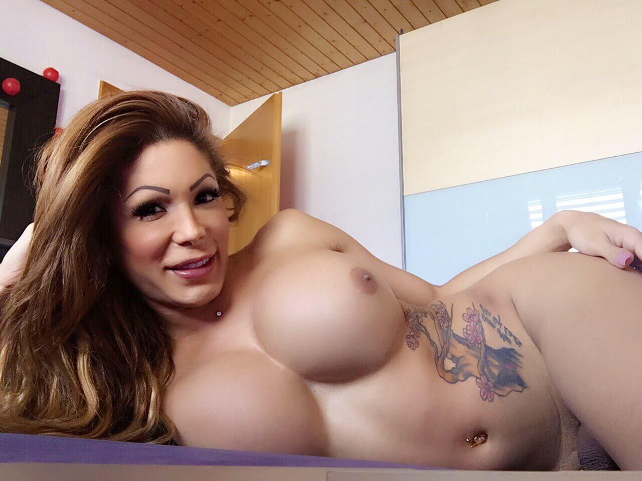 Vanessa Jhons transexual tetona