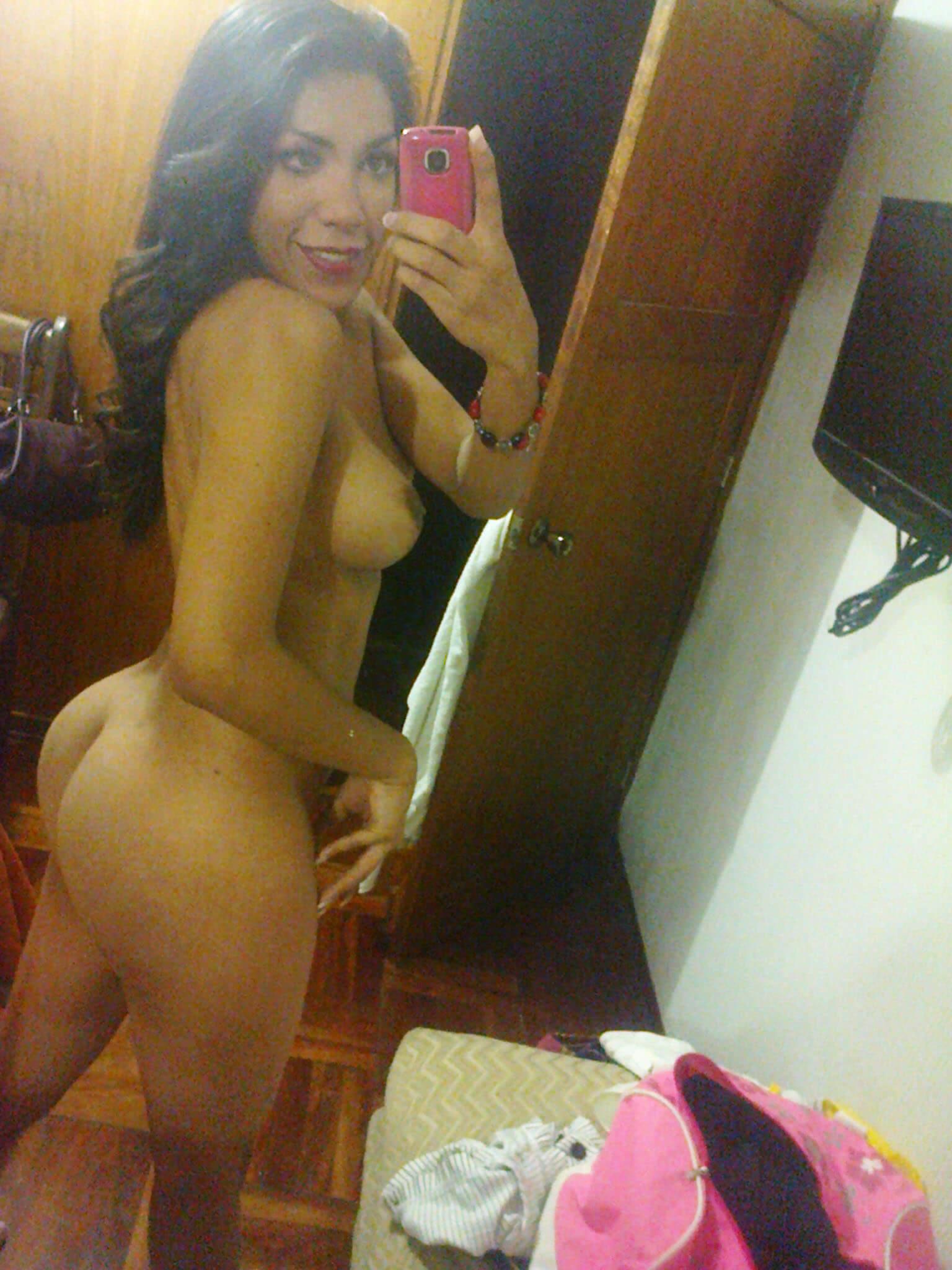 romina minina tranny selfie