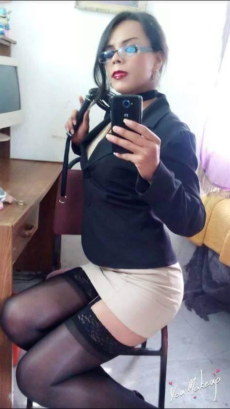 Serenia Lilith secretaria sexy