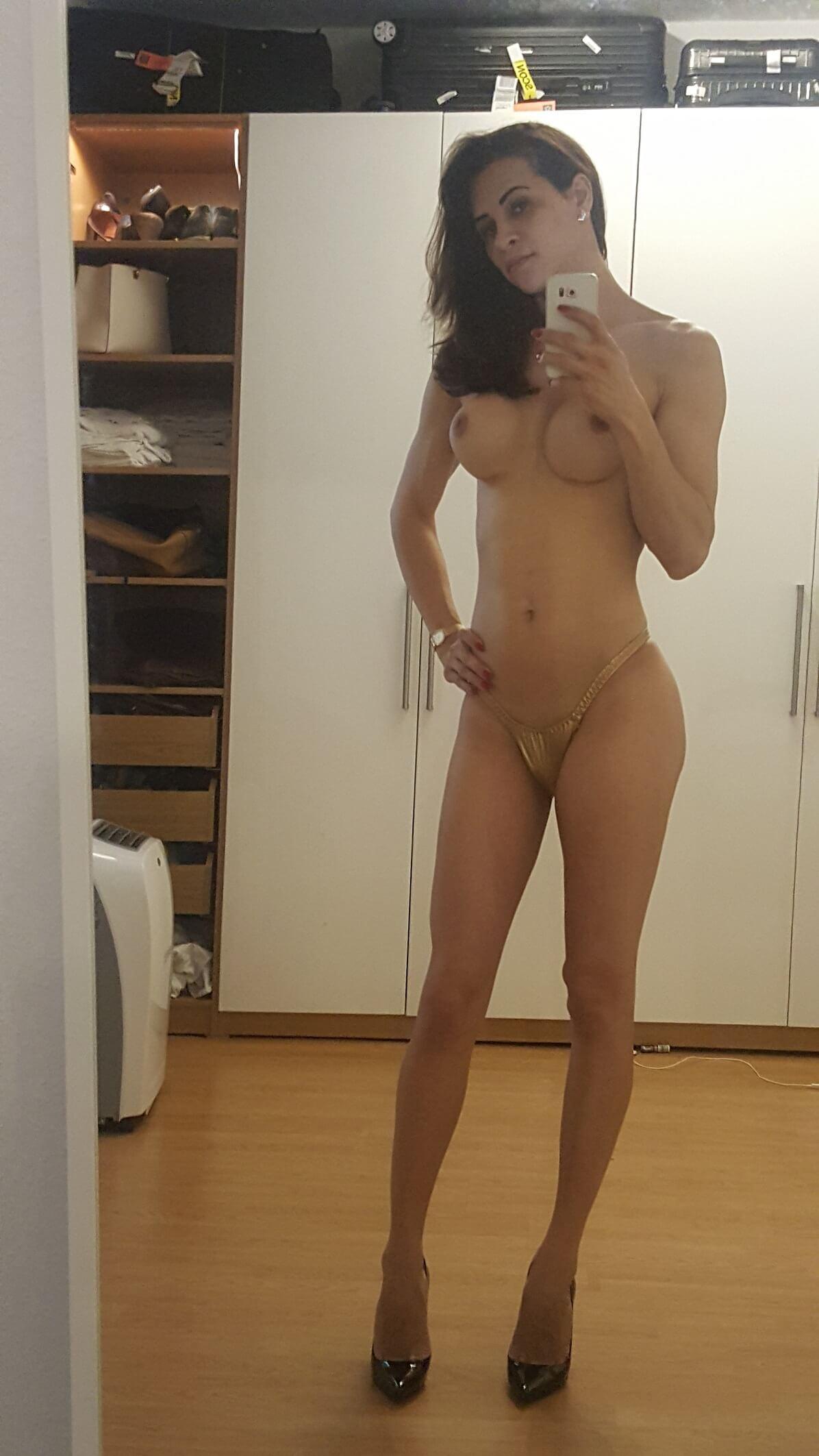 Carla Brasil escort vip