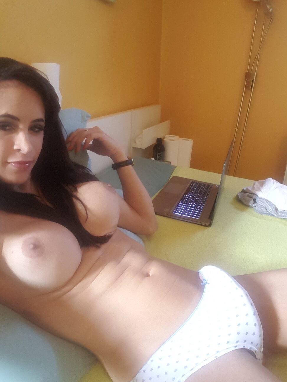 Carla Brasil ladyboy