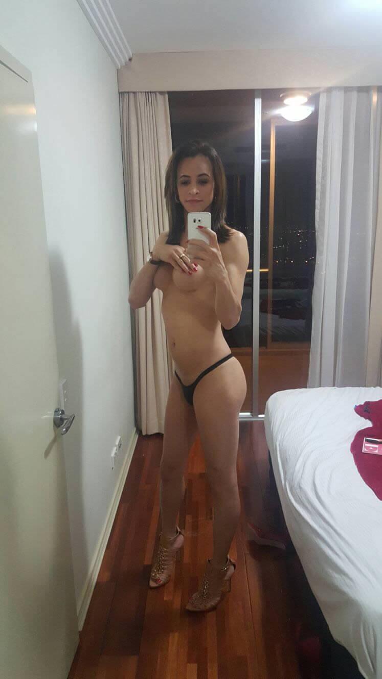 Carla Brasil scort