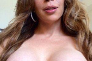 Sofia Sanders big tits shemale