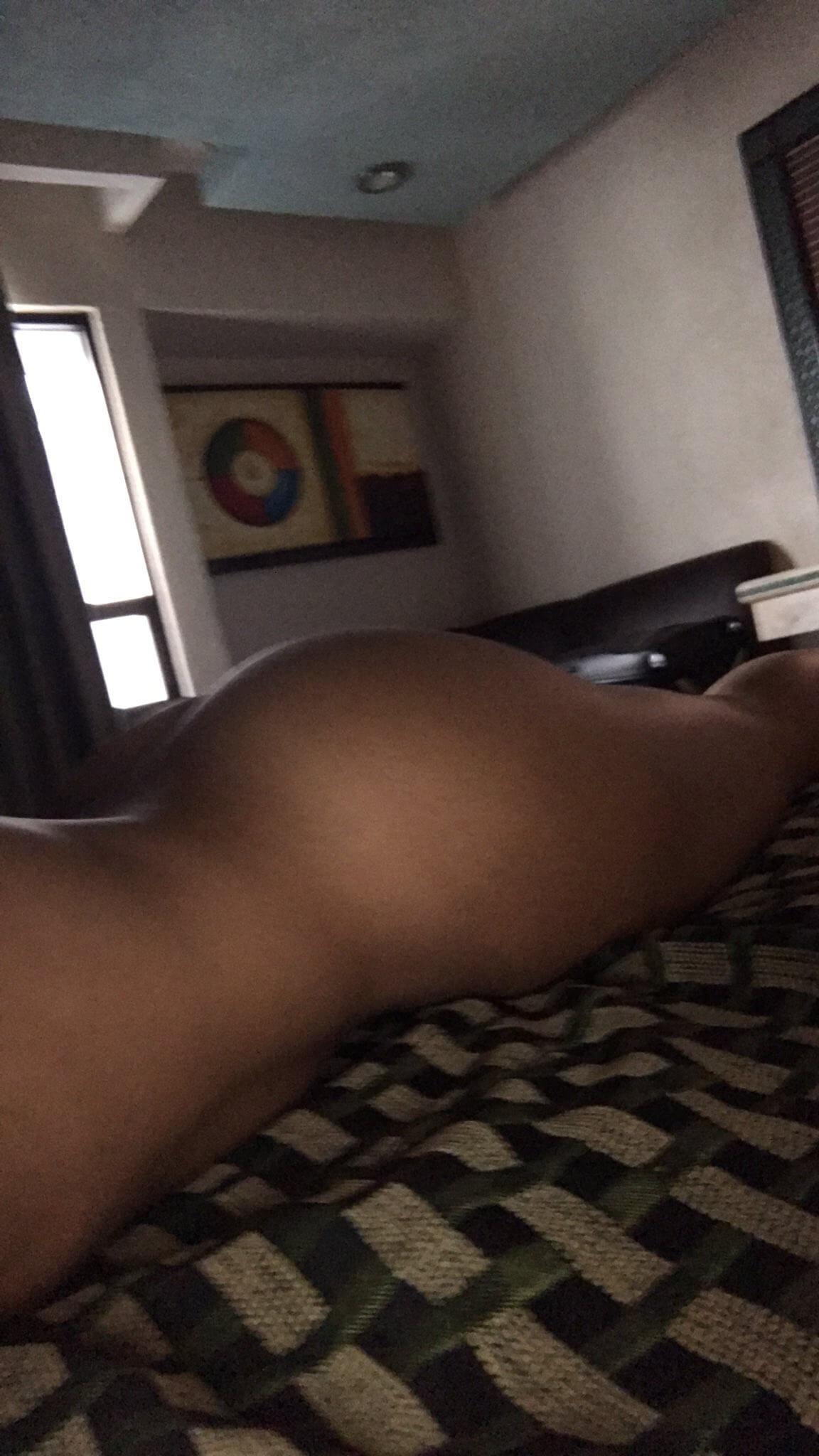 FerrattiPaola desnuda enseñando las nalgas