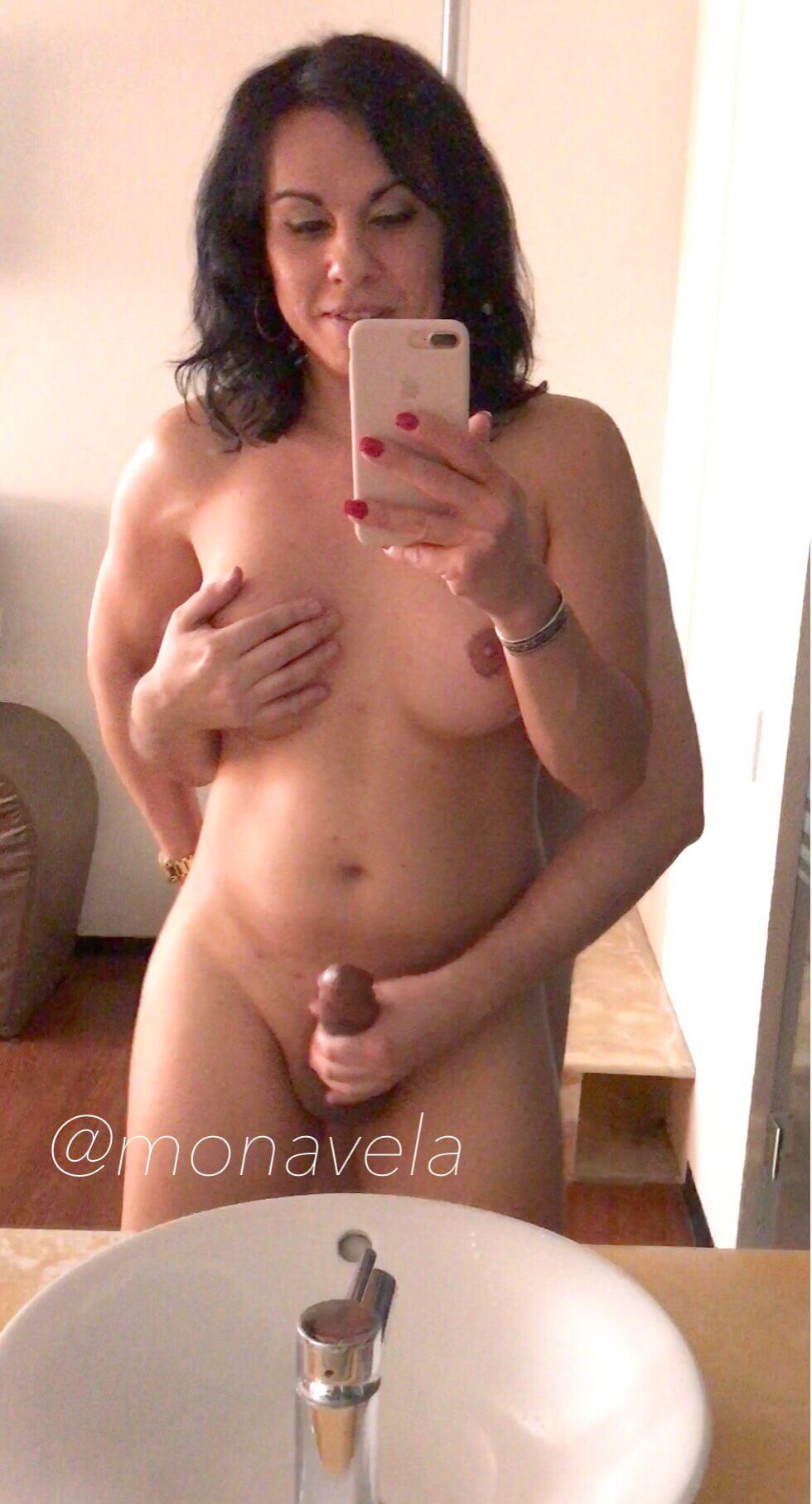 monavela xxx