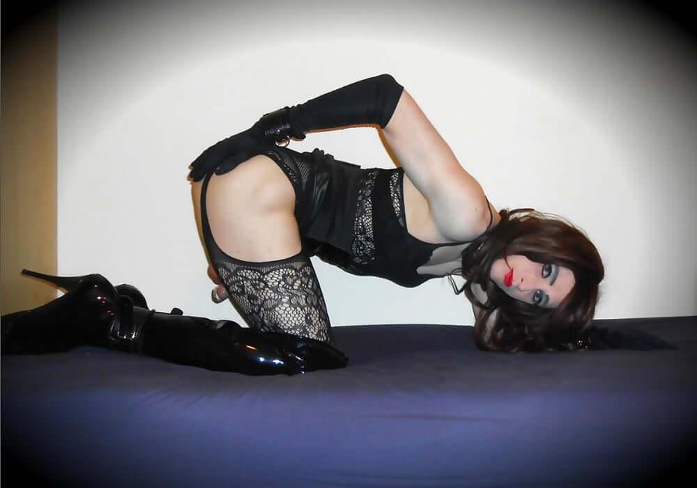 emily hardon submissive