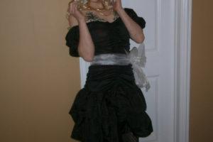 joven marica vestido de niña