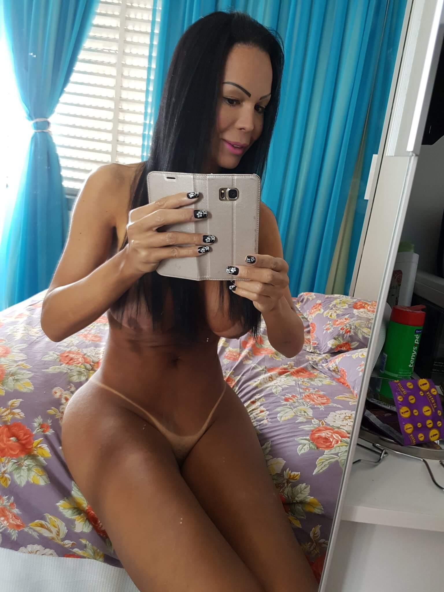 Aline Fenaroly brasileña transexual