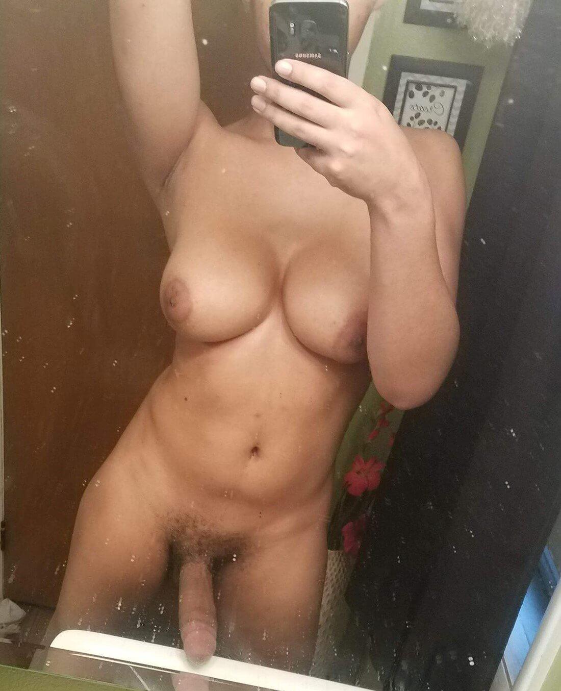 Melody Monae busty tgirl selfie