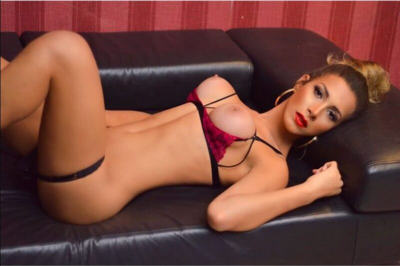 Alice Alves escort