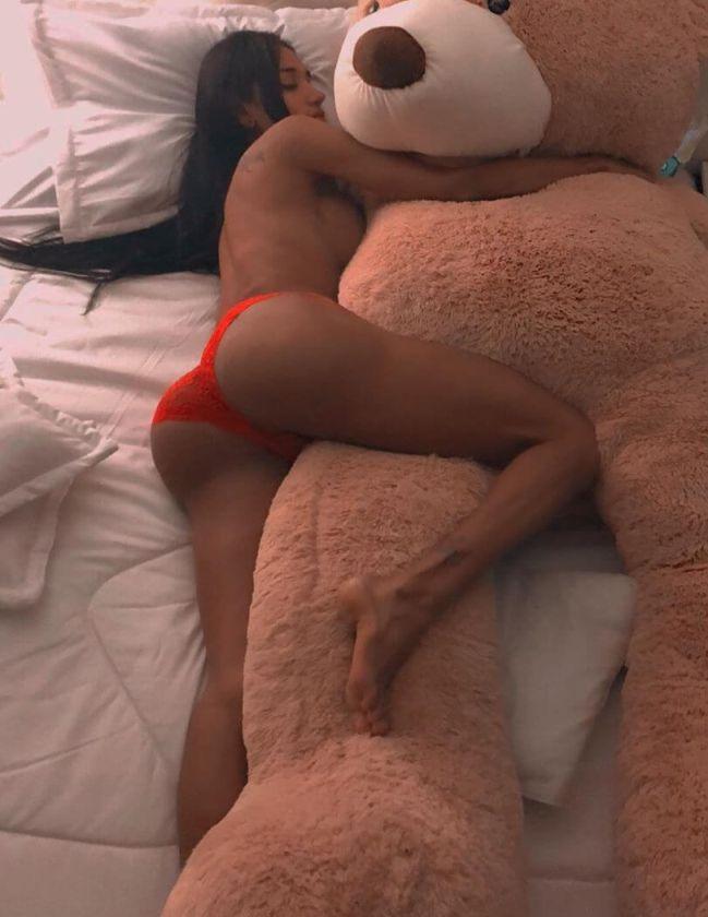 sexy laura saenz pornhub tits masturbating